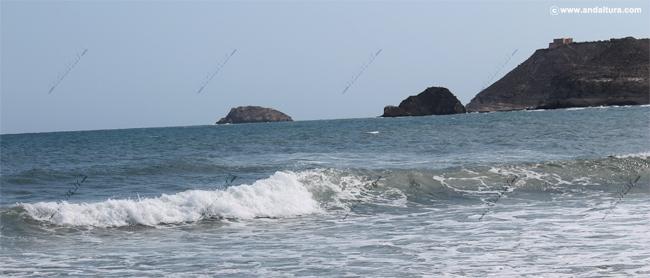 Monumento Natural Isla de Terreros e Isla Negra