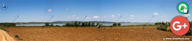 Vista de la vertiente este de la Laguna de Fuente de Piedra desde Los Piquetes