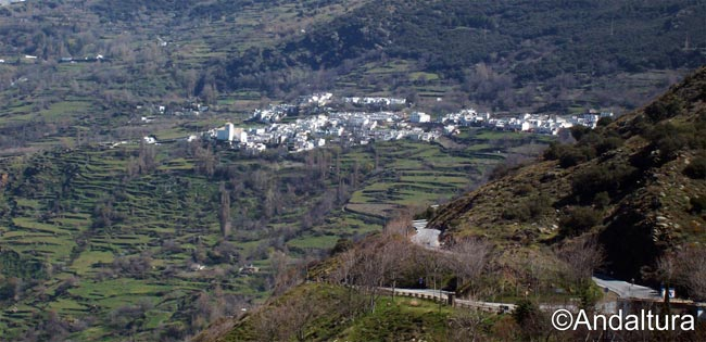 carretera de acceso a bubion y capileira