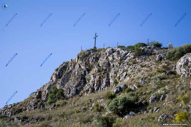 Descendiendo de la Cruz de la Sierra de la Camorra