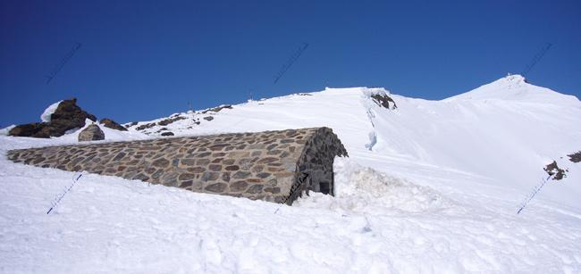 Refugio-Vivac de la Carihuela y Veleta